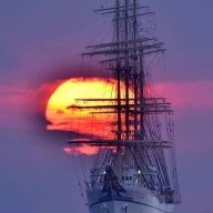 shipsinthenight